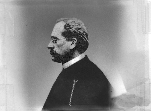 Adolph von Elm im Jahr 1913. Von 1894 bis 1907 saß er als Abgeordneter der SPD im Reichstag. Neben seinem Engagement für die Tabakarbeiter war er auch Mitbegründer der 1913 entstandenen Volksfürsorge.