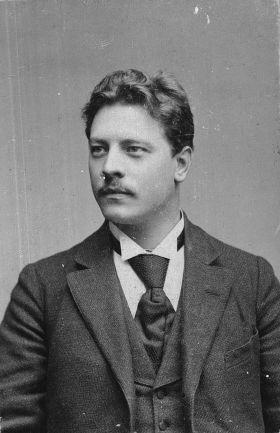 Als jüngster Abgeordneter wurde der Sozialdemokrat Emil Rosenow 1898 in den Reichstag gewählt und behielt den Sitz bis zu seinem frühen Tod – 1904 starb er mit nur 33 Jahren.