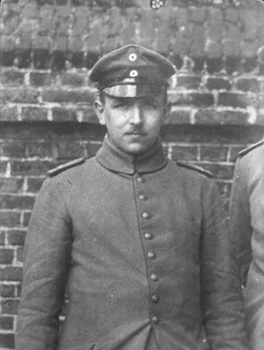 Lothar Erdmann als Soldat, etwa im Jahr 1915. Quelle: Archiv der sozialen Demokratie der Friedrich-Ebert-Stiftung.